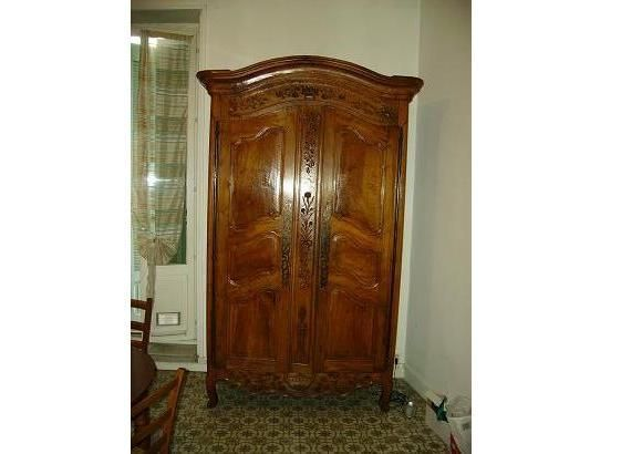 armoire ancienne chapeau de gendarme. Black Bedroom Furniture Sets. Home Design Ideas
